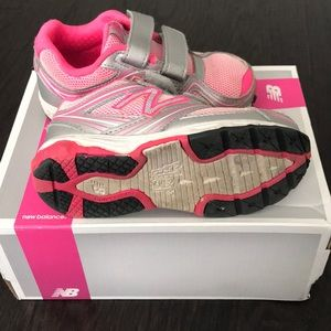 New Balance Shoes - Lightly worn toddler New Balance running shoes